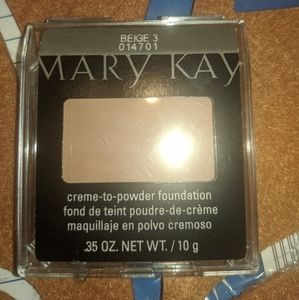 Mary Kay Creme-to Powder Foundation with sponges